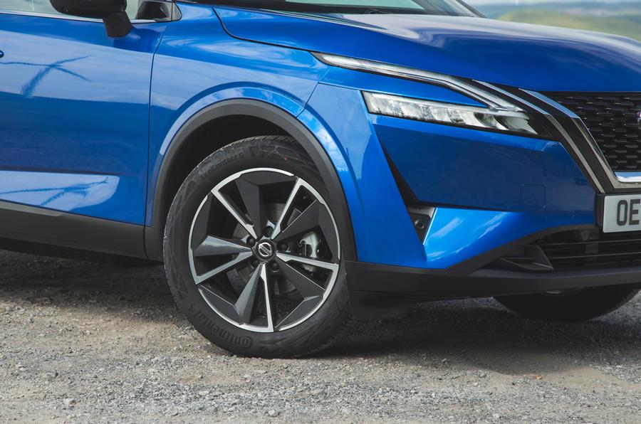 8 Nissan Qashqai 2021 RT jantes en alliage