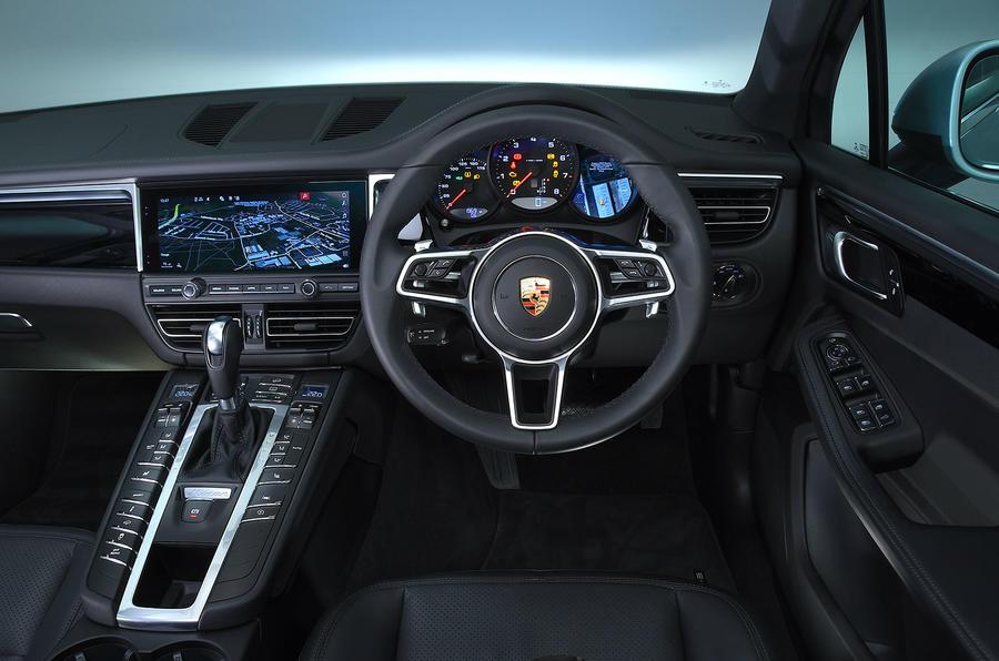 Porsche Macan 2019 road test review - dashboard