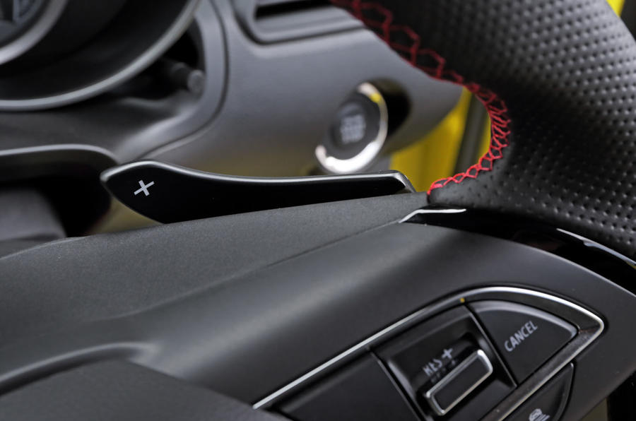 Suzuji Swift Sport Japan-spec review paddle shifters