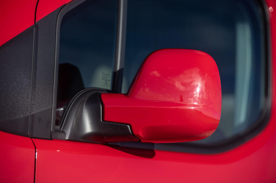 Vauxhall Combo Life 2018 road test review - wing mirrors