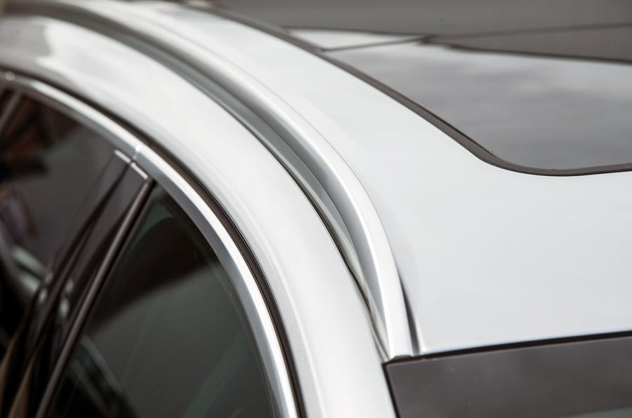 Vauxhall Insignia Sports Tourer GSI review roof rails
