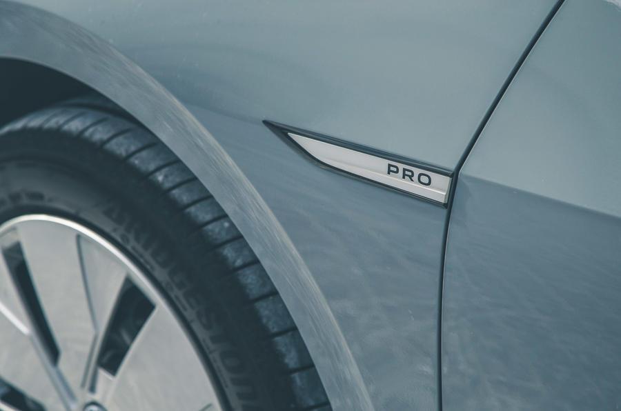 8 VW ID 3 2021 Road Test Review autocollants latéraux