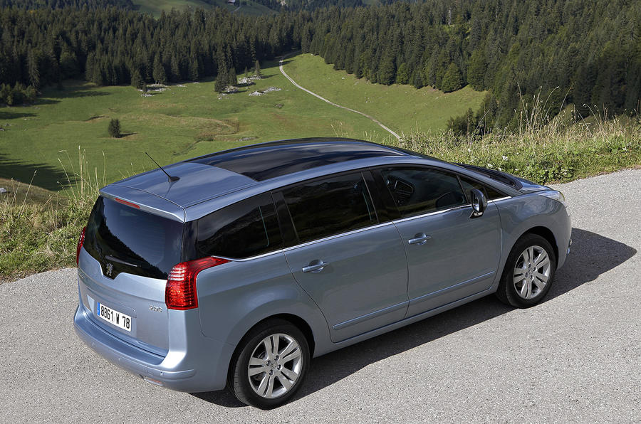 Peugeot 5008 top profile