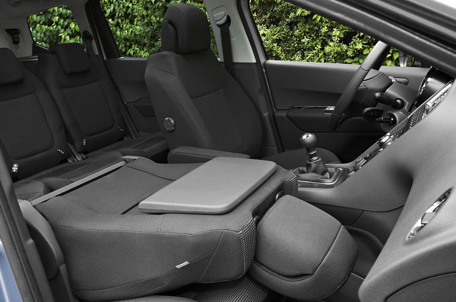 Peugeot 5008 HDi MPV