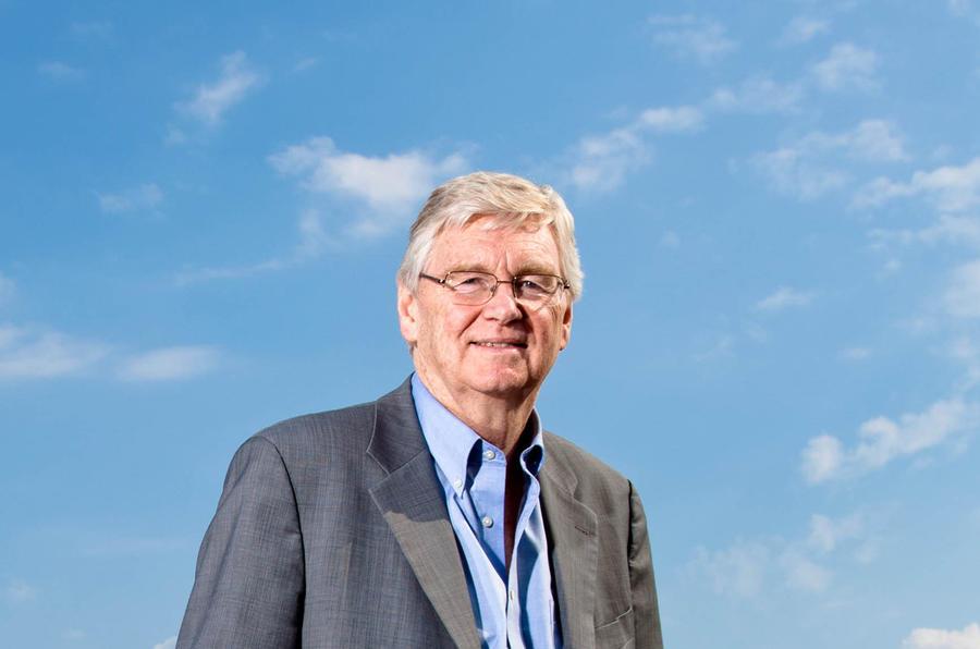 GM's Reilly to retire