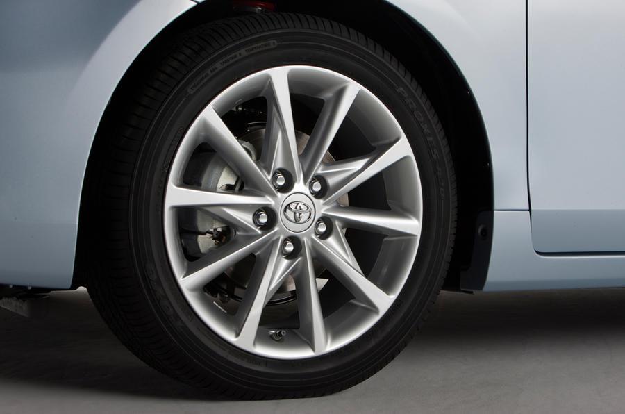 16in Toyota Prius+ alloys