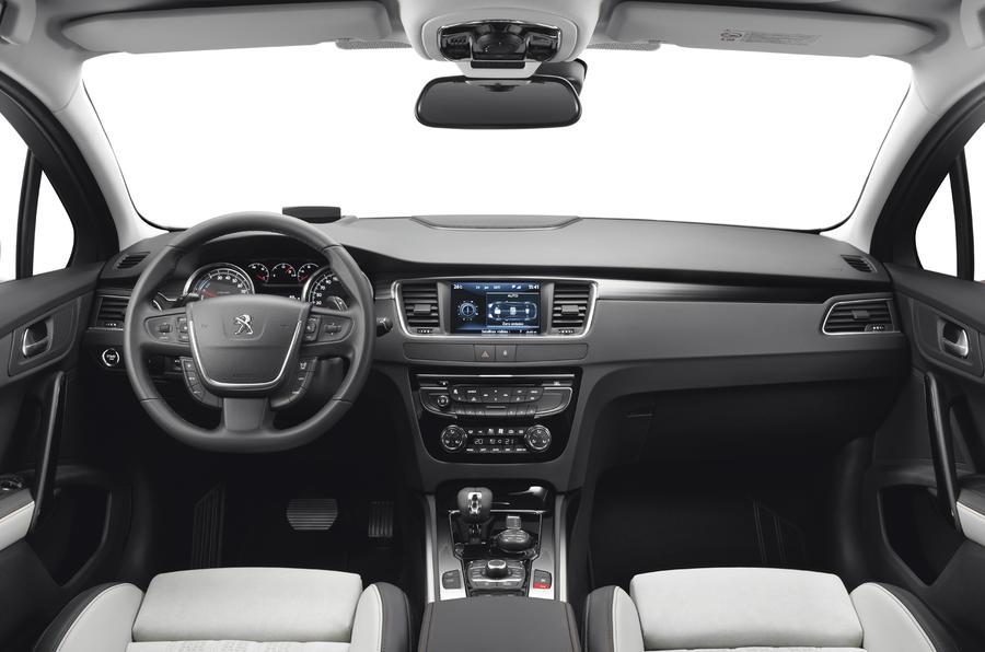 Peugeot 508 RXH dashboard