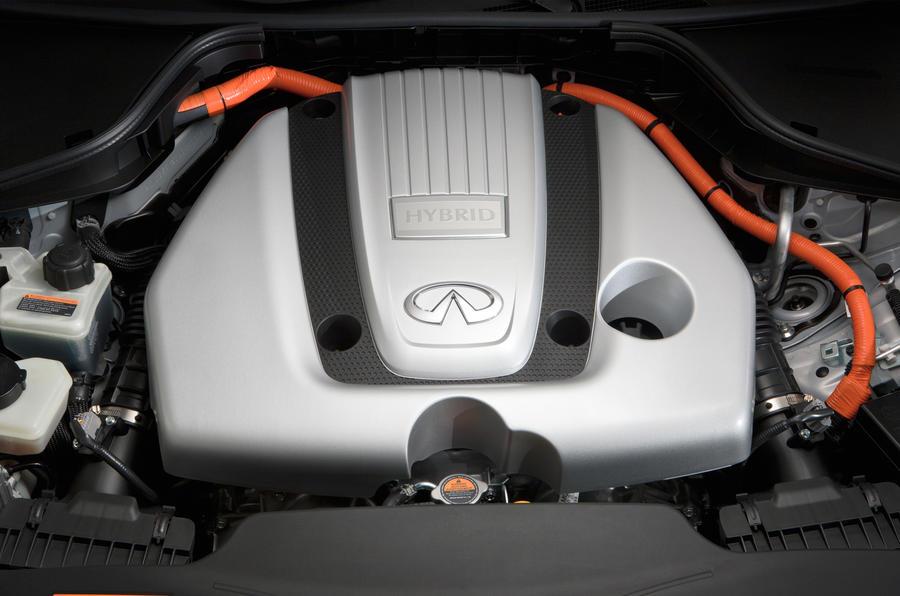 3.5-litre V6 Infiniti M35h engine