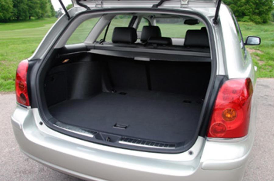 Avensis underwhelms