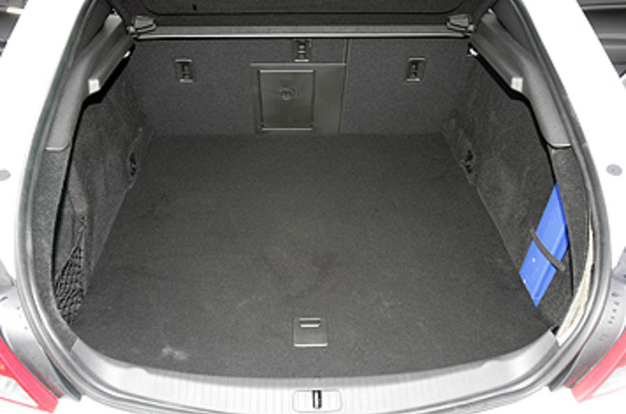 Vauxhall Insignia VXR boot space