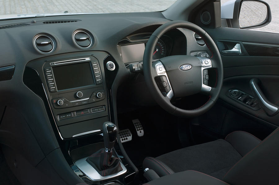 Ford Mondeo 2 0 240 Ecoboost Review Autocar