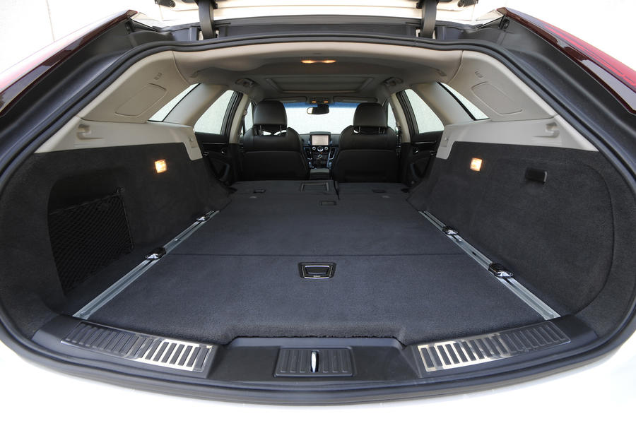 Cadillac CTS Sport Wagon extended boot space