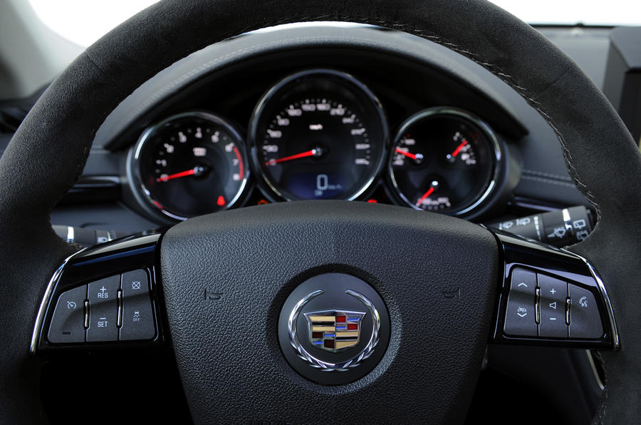 Cadillac CTS Sport Wagon instrument cluster