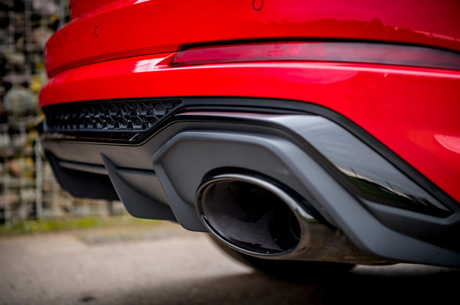 Audi RS Q3 2020 road test review - exhausts