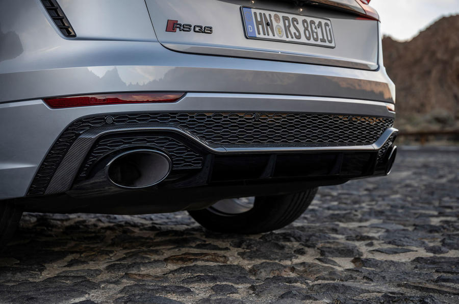 Audi RS Q8 2020 road test review - exhausts