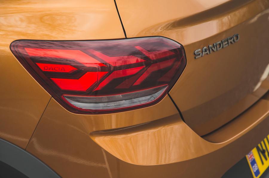 9 Feux arrière de la Dacia Sandero Stepway 2021 RT