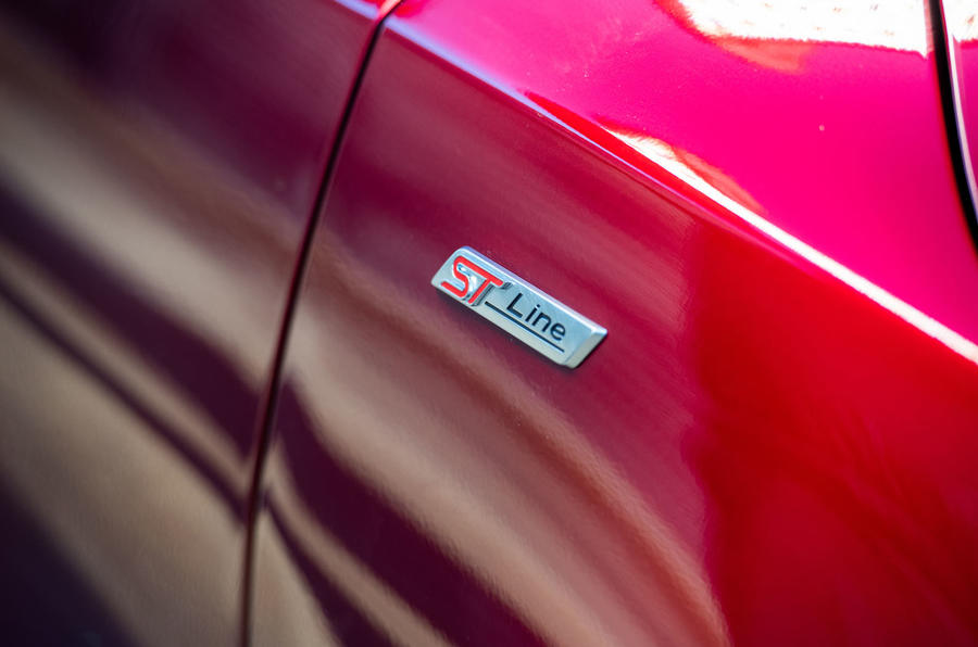 Ford Focus ST-line X 2019 road test review - ST line badge