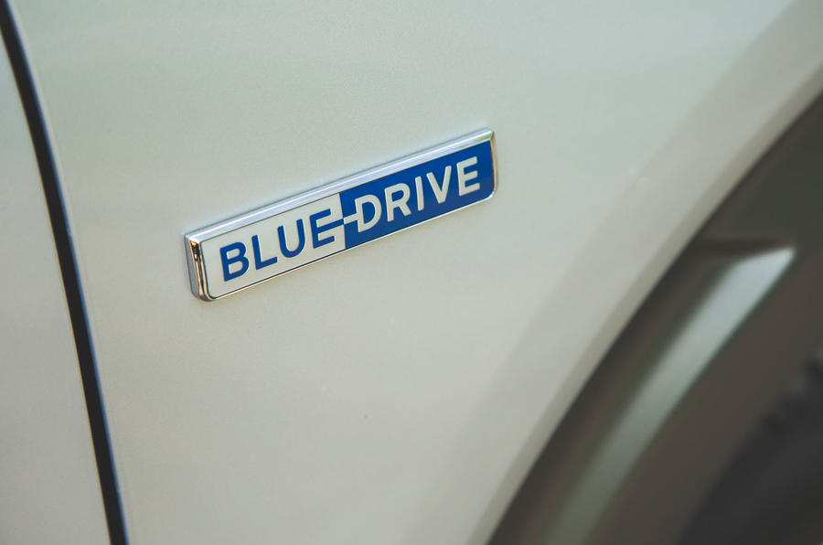 Hyundai Nexo 2019 road test review - BlueDrive badge