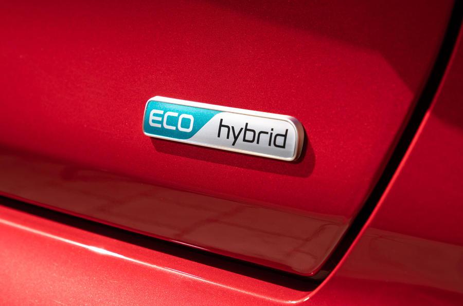 9 Kia Niro 2021 : essai routier - badge hybride