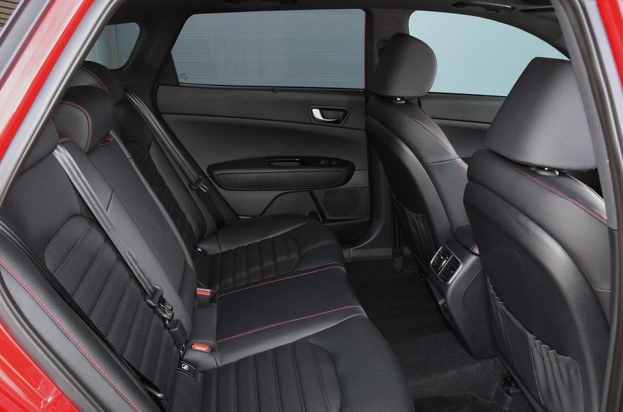 Kia Optima Sportswagon 2018 review - rear seats