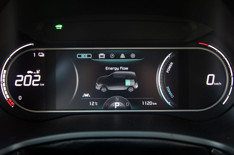 Kia Soul EV 2019 European first drive - instruments