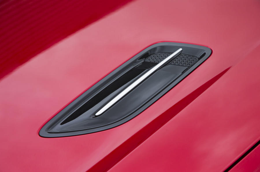 Kia Stinger GT line 2018 review bonnet air vent