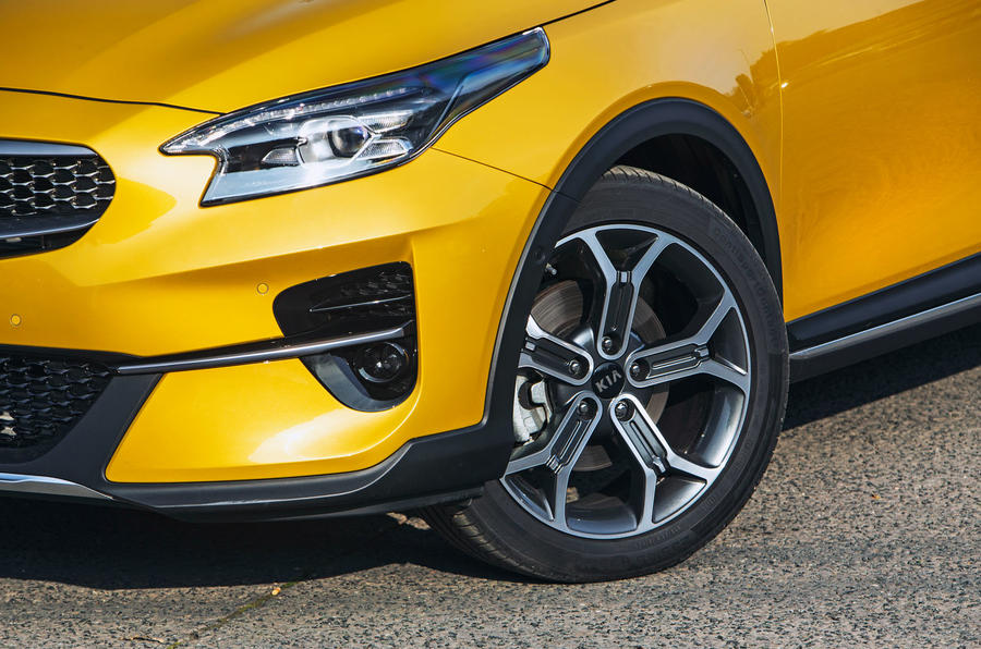 Kia Xceed 2019 road test review - alloy wheels
