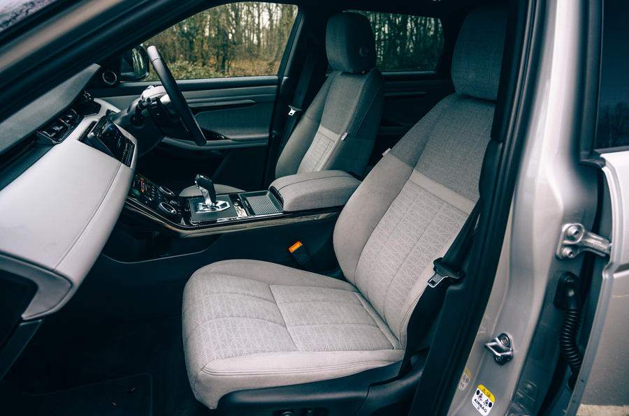9 Land Rover Range Rover Evoque 2021 : essai routier en cabine