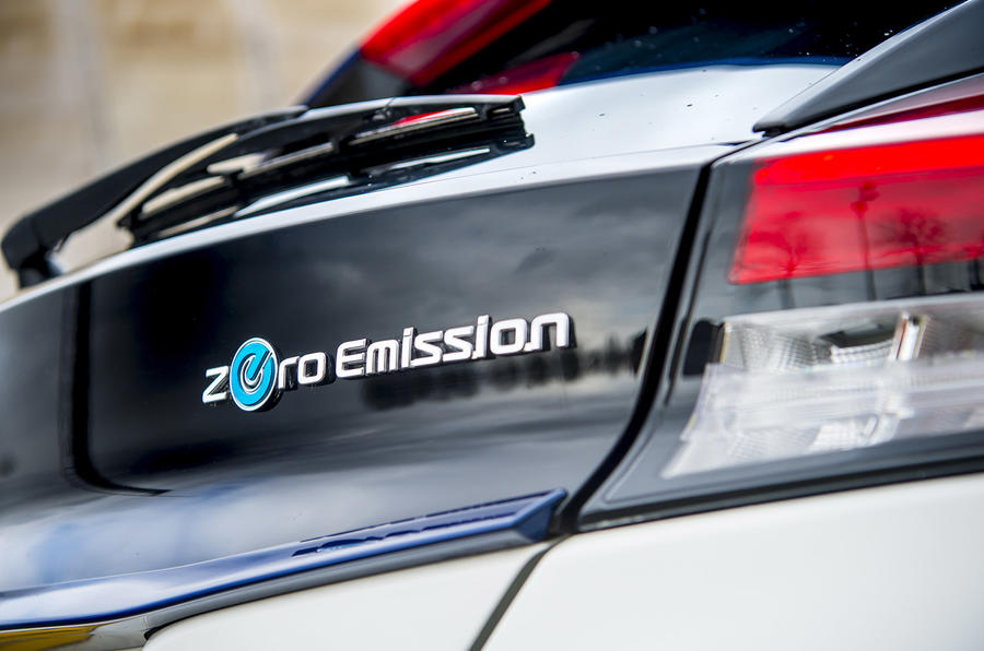 Nissan Leaf 2018 UK review rear badge