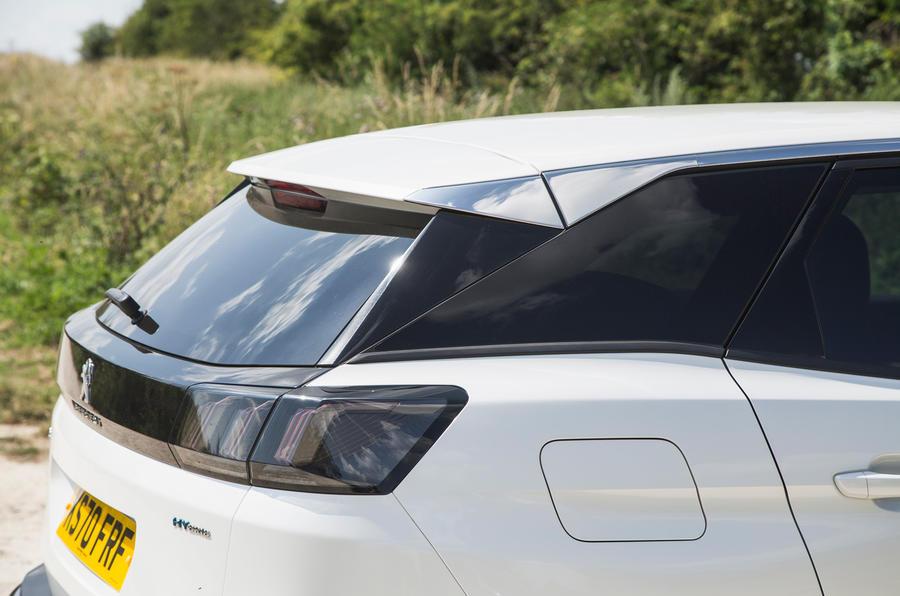 9 Hayon arrière Peugeot 3008 2021 RT