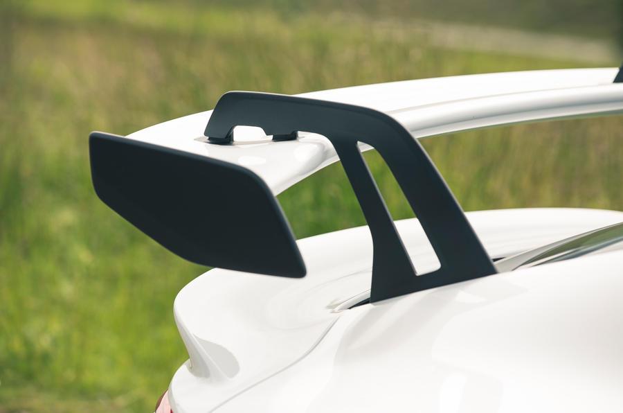 9 Détails du spoiler de la Porsche 911 GT3 2021 RT