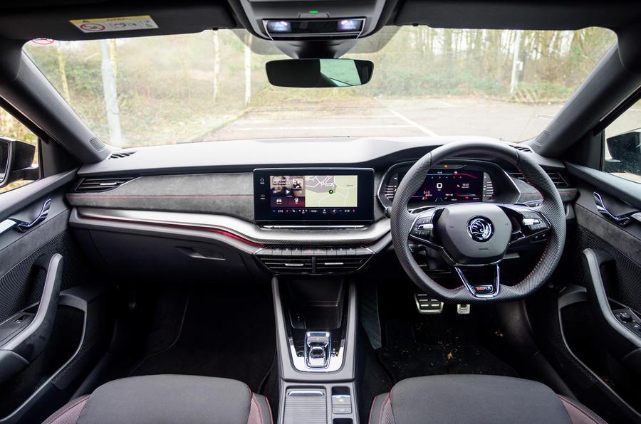 9 Skoda Octavia vRS TDI 2021 : tableau de bord de l'examen des essais routiers