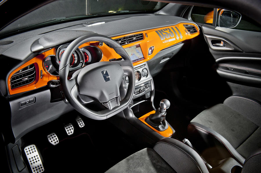 Citroën DS3 Racing dashboard