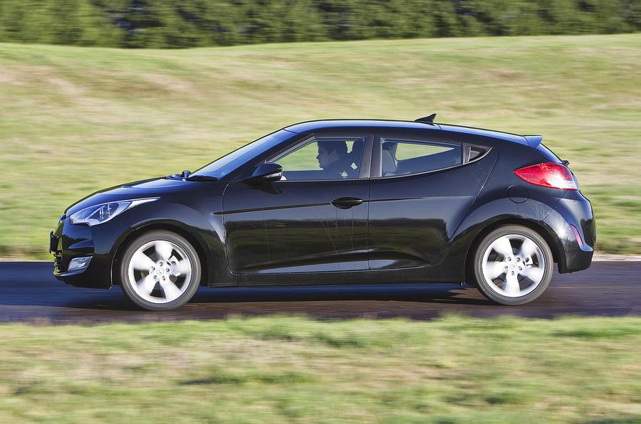 Hyundai Veloster side profile
