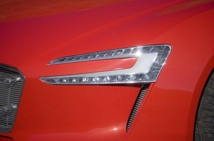 Audi e-tron LED headlights