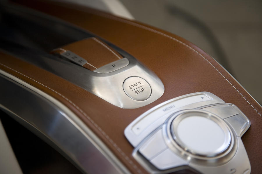 Audi e-tron ignition button