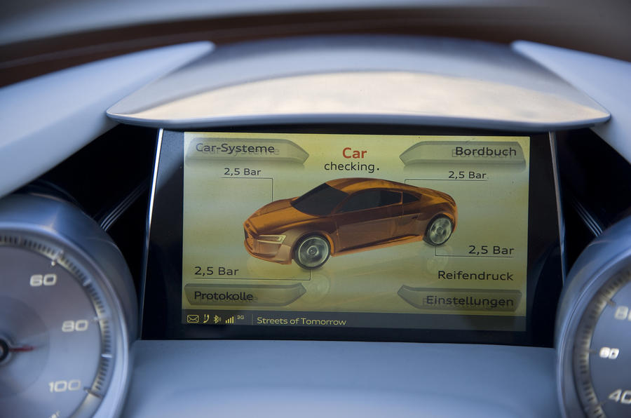 Audi e-tron infotainment screen