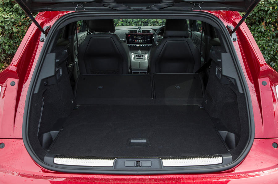 DS 7 Crossback 2018 road test review boot seats down