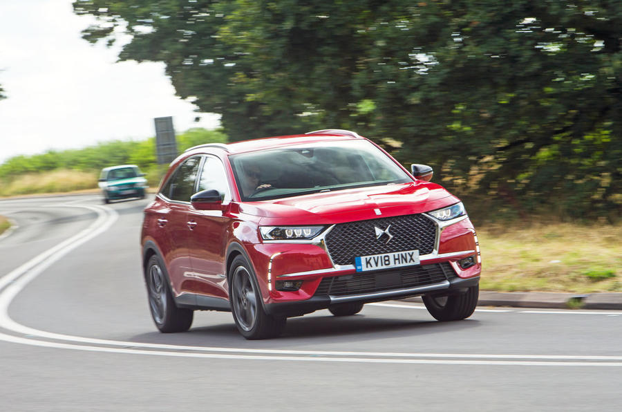 DS 7 Crossback 2018 road test review cornering front