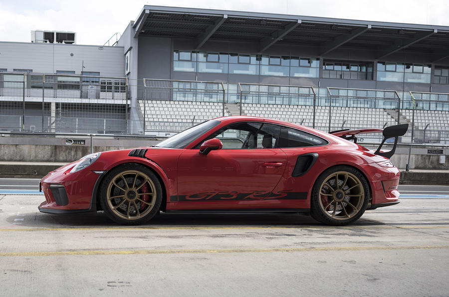 Porsche 911 GT3 RS 2018 review static side
