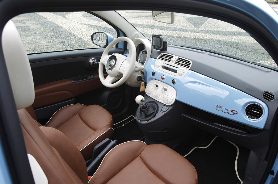 Fiat 500 TwinAir interior