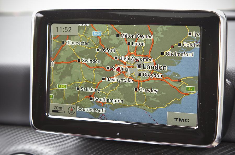 Mercedes-AMG A 45 infotainment