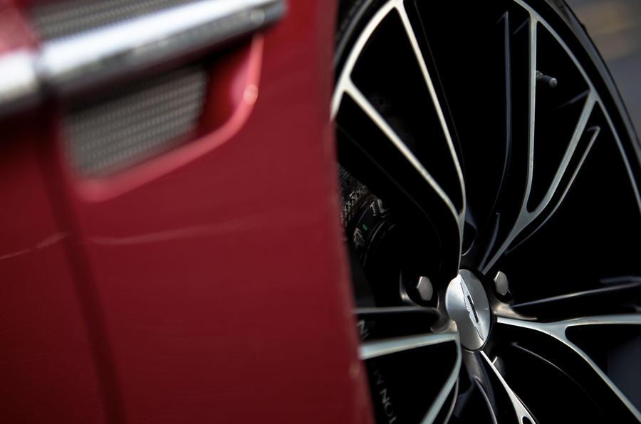 Aston Martin Vanquish alloy wheels