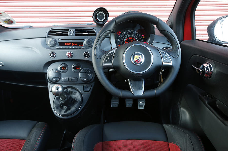 Abarth 595 dashboard