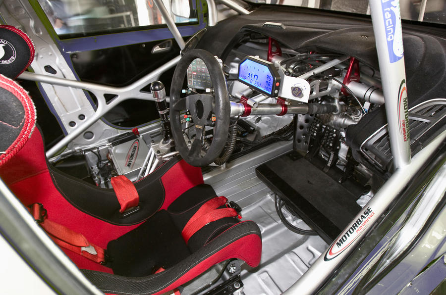 How to build a British Touring Car racer