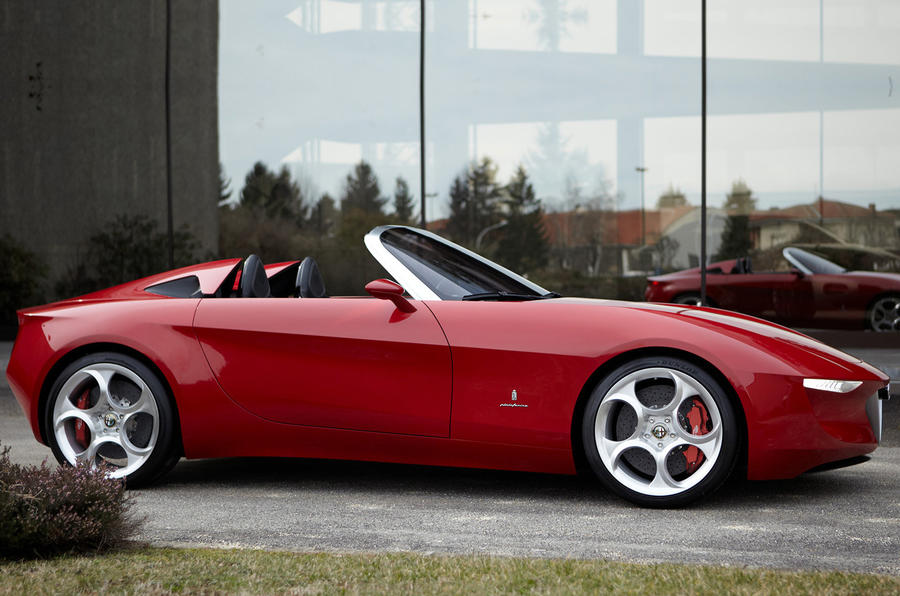 Alfa Romeo Spider revealed