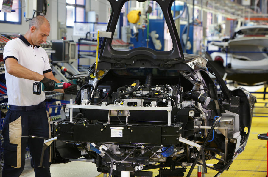 Alfa Romeo 4C production process revealed
