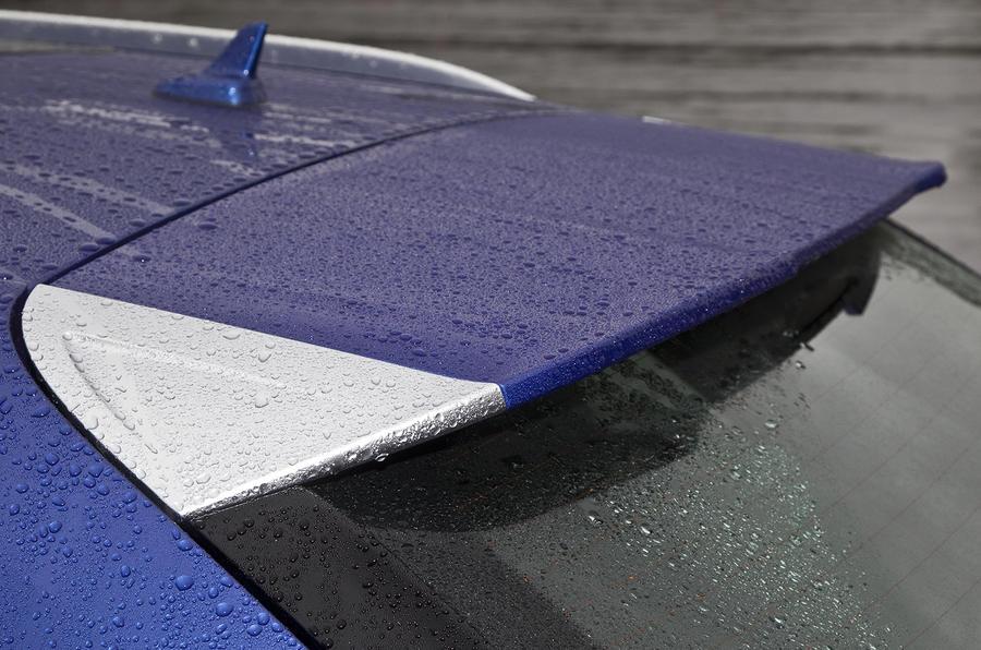 Audi RS Q3 roof spoiler