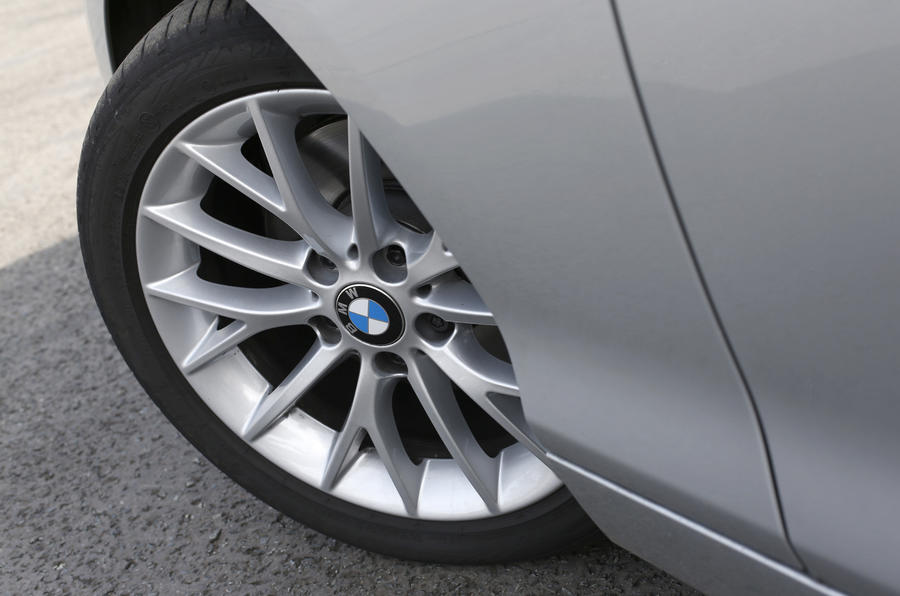 BMW 2 Series 17in alloys