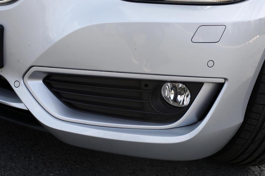 BMW 2 Series Coupé foglights
